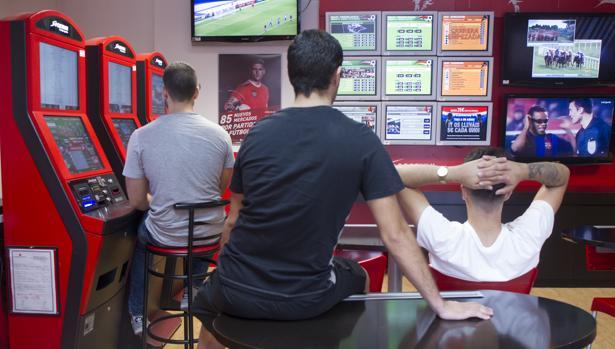 Dos de cada tres jóvenes que apuestan tienen un problema de adicción